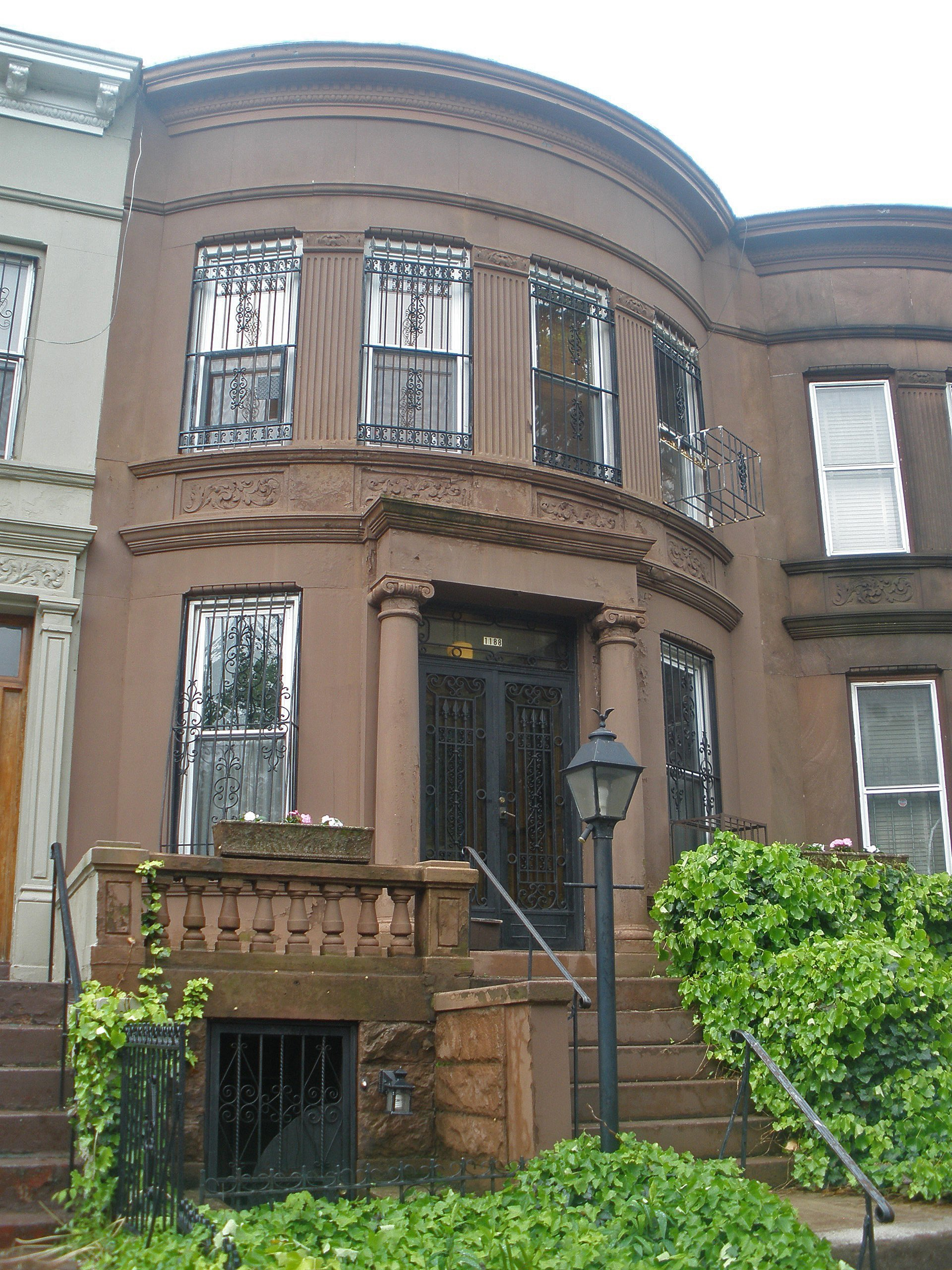 Crown heights single family brownstone for sale brooklyn for Sale house in brooklyn